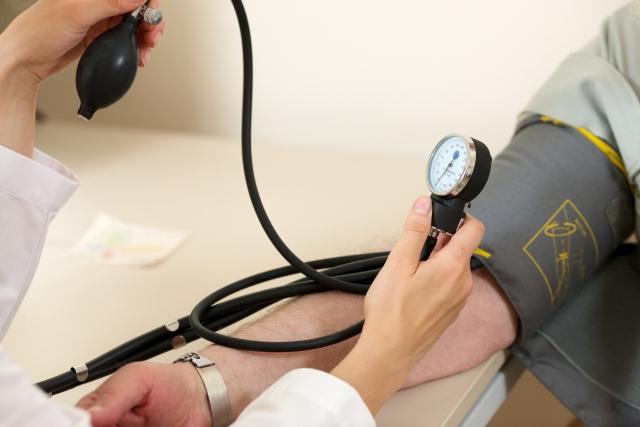 健康保険、外国人への適用厳格化案が浮上